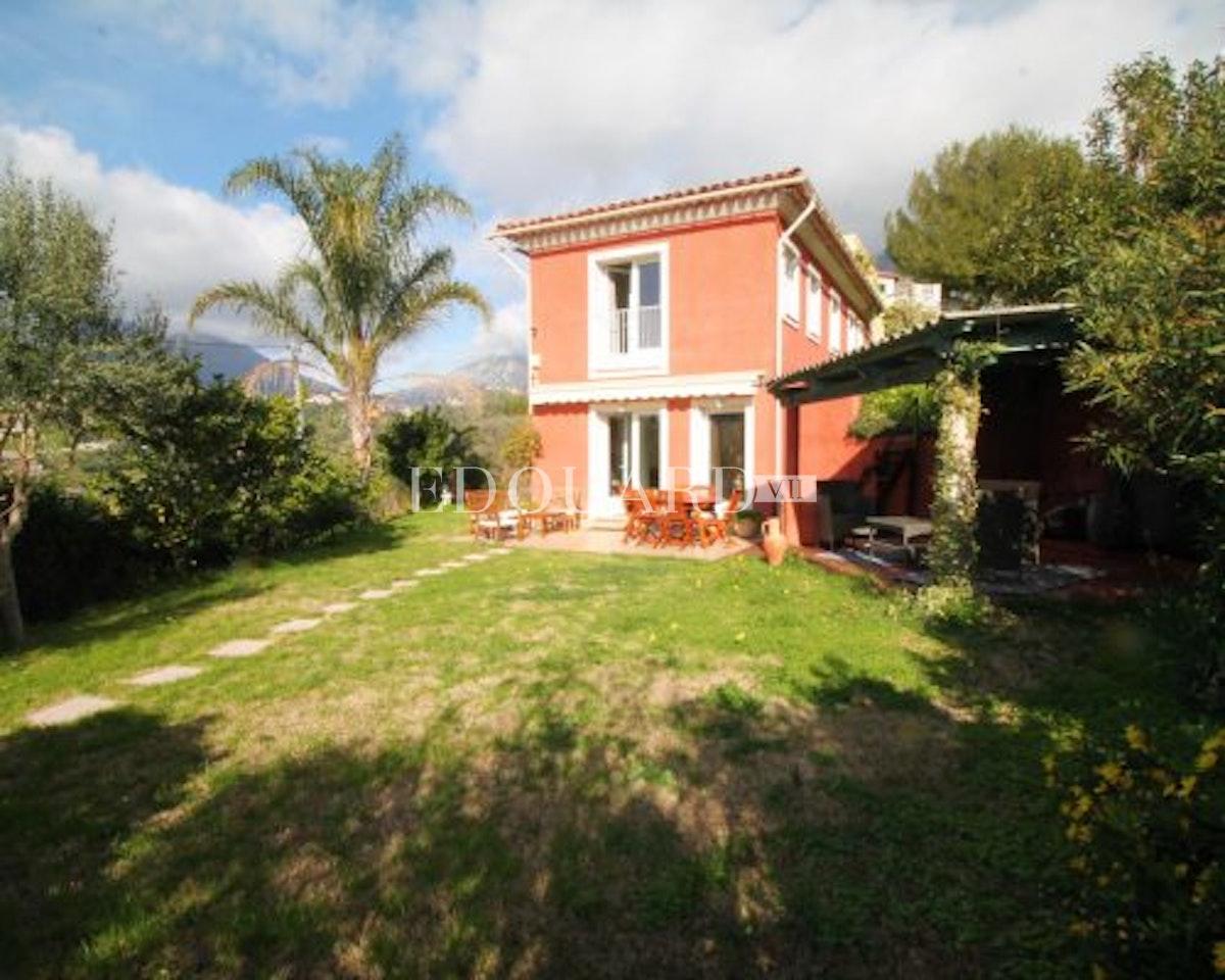 Case Costa Azzurra   Villa in buone condizioni con climatizzazione,…